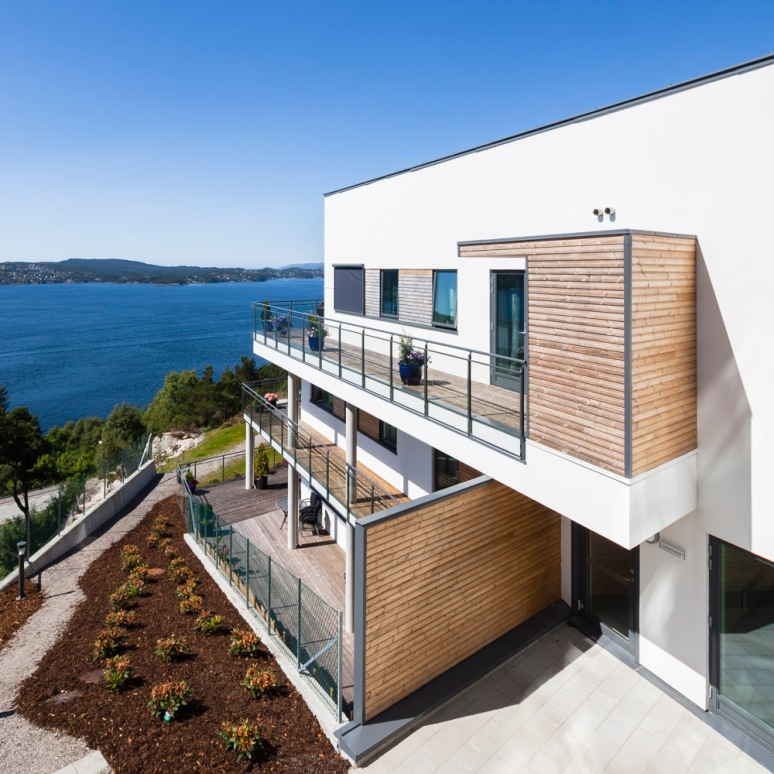 Large terrace areas over looking the Fjords on this modern terraced property in Bergen.