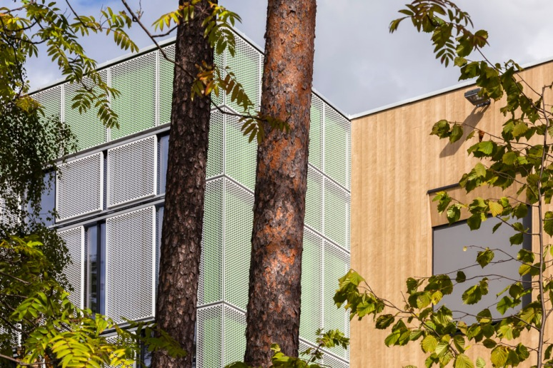 Facade detail at Bjoernsletta School, designed by L2 Arkitekter, Oslo, Norway.